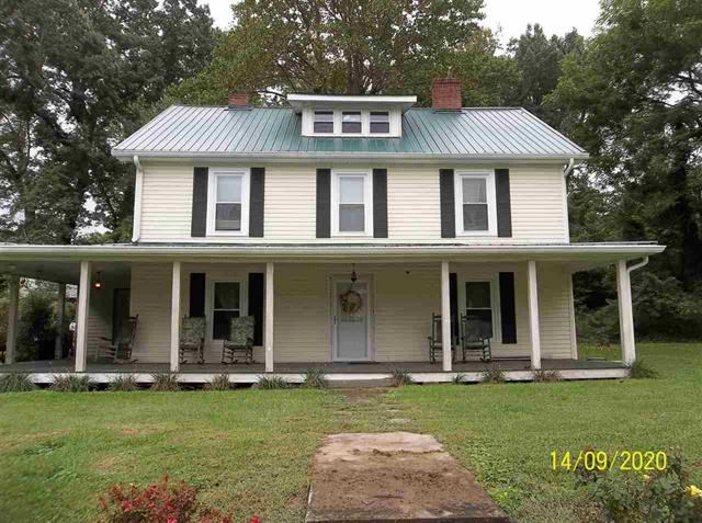 5 BR, 2 BA Historic Home in Surgoinsville, TN For Sale