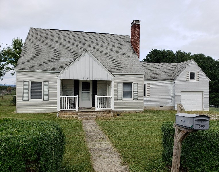 1935 Cape Cod Home Located in Rural Retreat, VA!!!