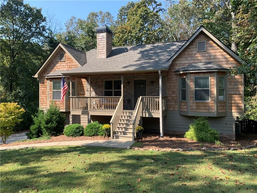 Lakefront Home in Cherokee County