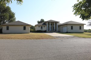 COUNTRY HOME - BED & BREAKFAST FOR SALE - ASHLAND, KANSAS