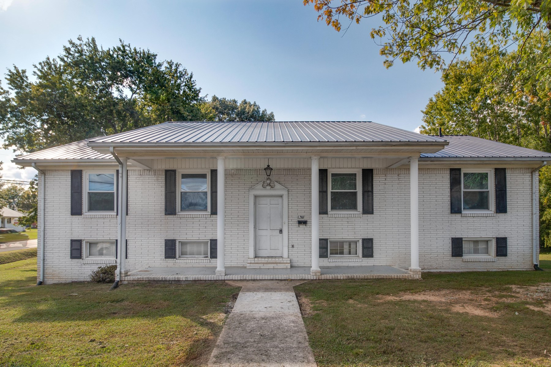 Home in Town for Sale in Hohenwald, Tennessee