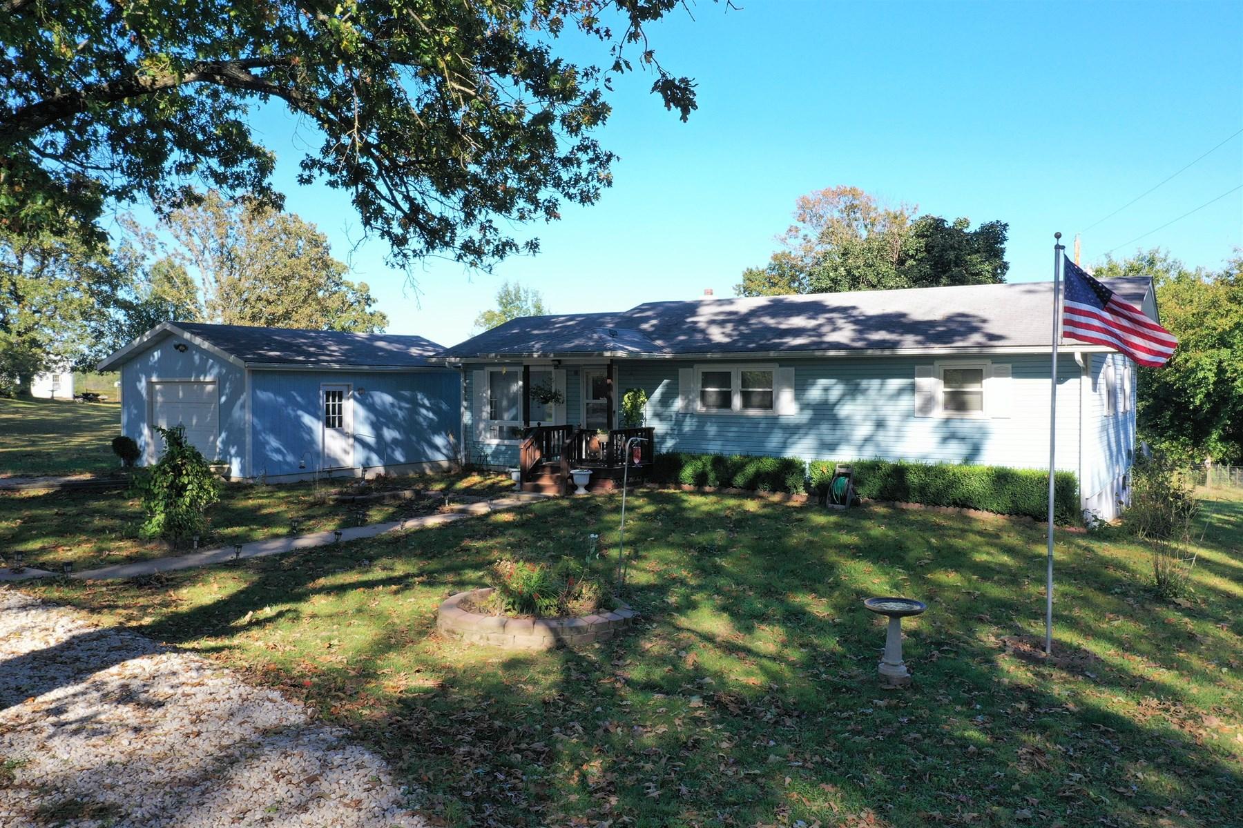3 bedroom home on 1 acre outside of Salem!