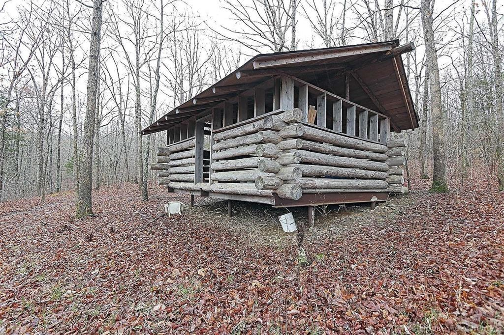 MISSOURI OZARKS HUNTING PROPERTY WITH CABIN
