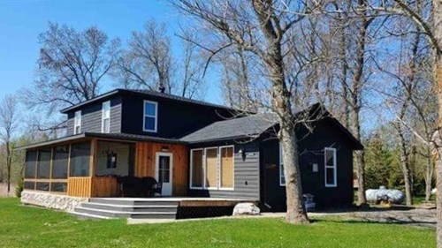 Lakeside country home for sale in Kabetogama, MN