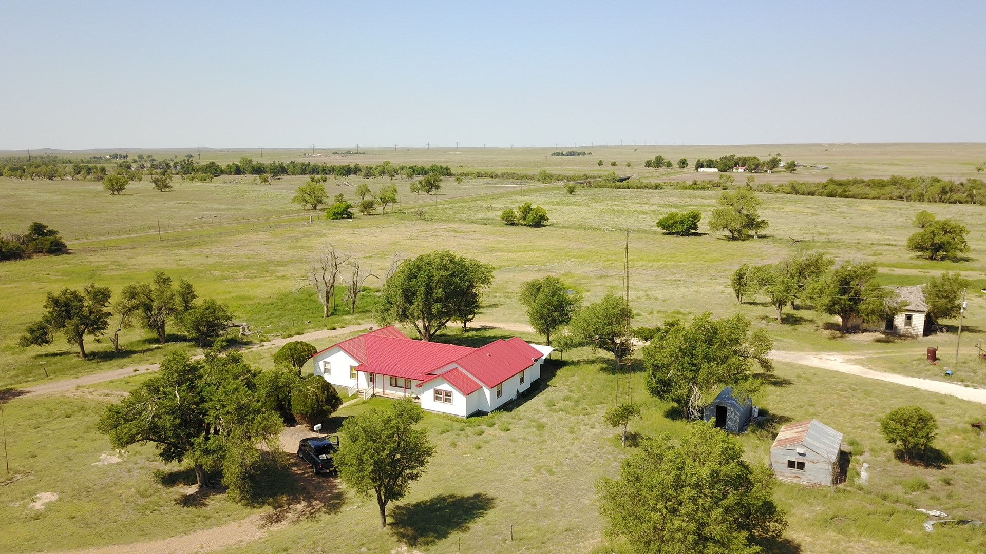 Country Home, Barns, Pens and Large Acreage Texas County OK