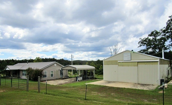 Farm with Recreational Land & Home For Sale in Doniphan, MO