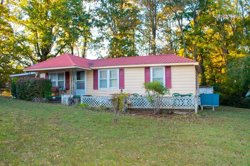 Ranch Style Home for Sale in Centerville, Tennessee
