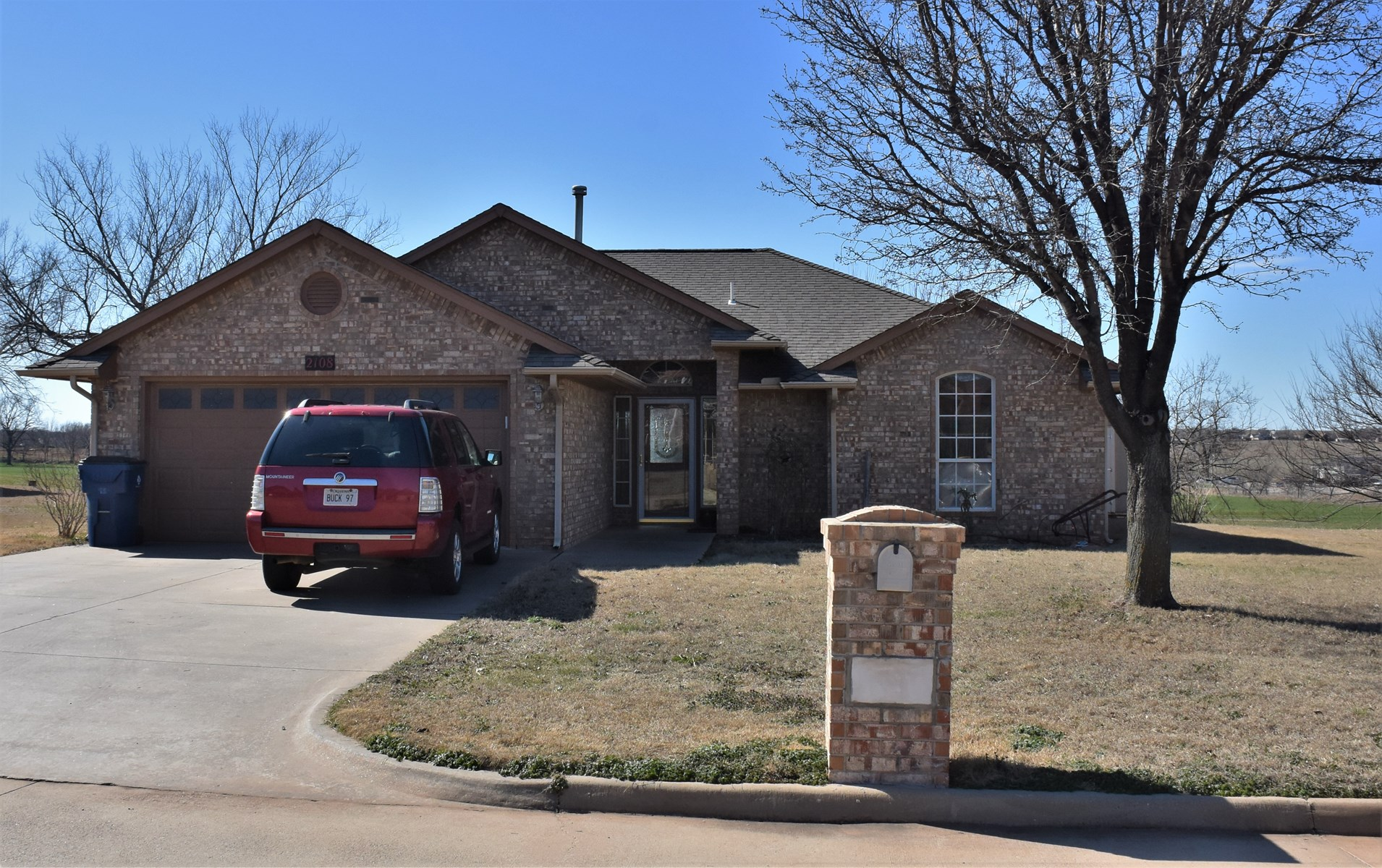 Country Home - Chickasha Oklahoma - Country Views - Commute