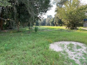 1 ACRE COMMERCIAL LOT IN NORTH CENTRAL FLORIDA