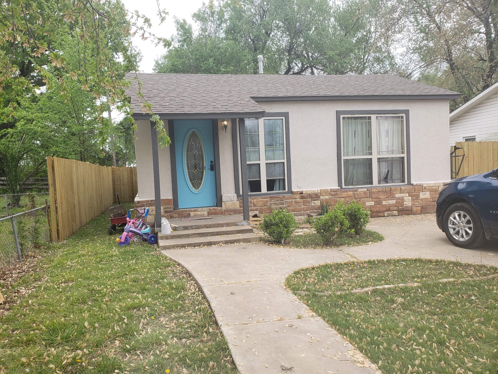 Home In Town FOR SALE in Pryor OKLAHOMA