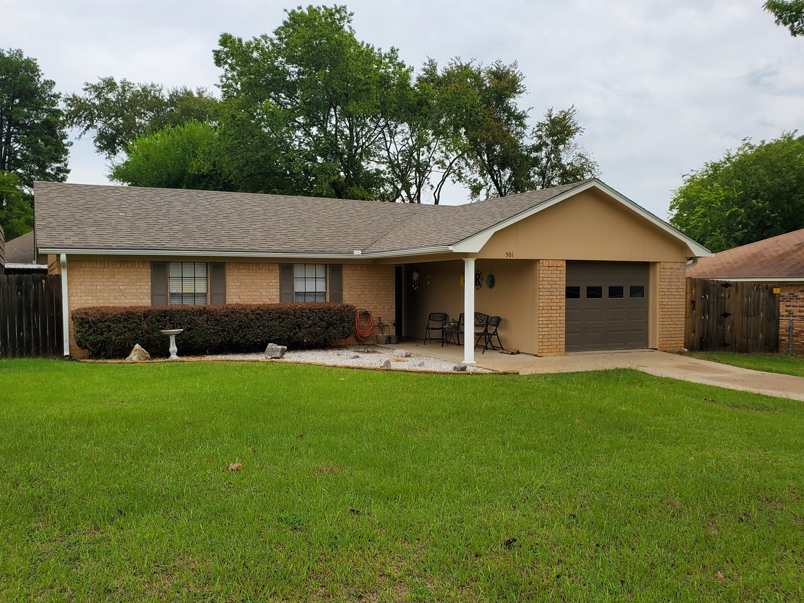CUTE COUNTRY HOME FOR SALE CHANDLER TEXAS 3/2/1