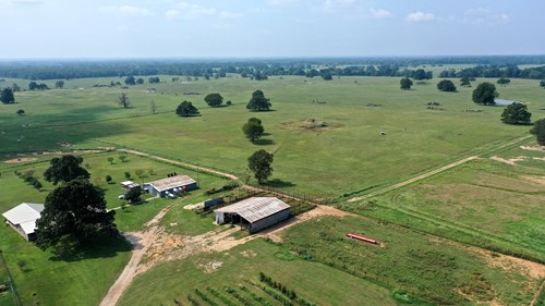 LARGE 820 ACRE CATTLE RANCH FOR SALE OKLAHOMA