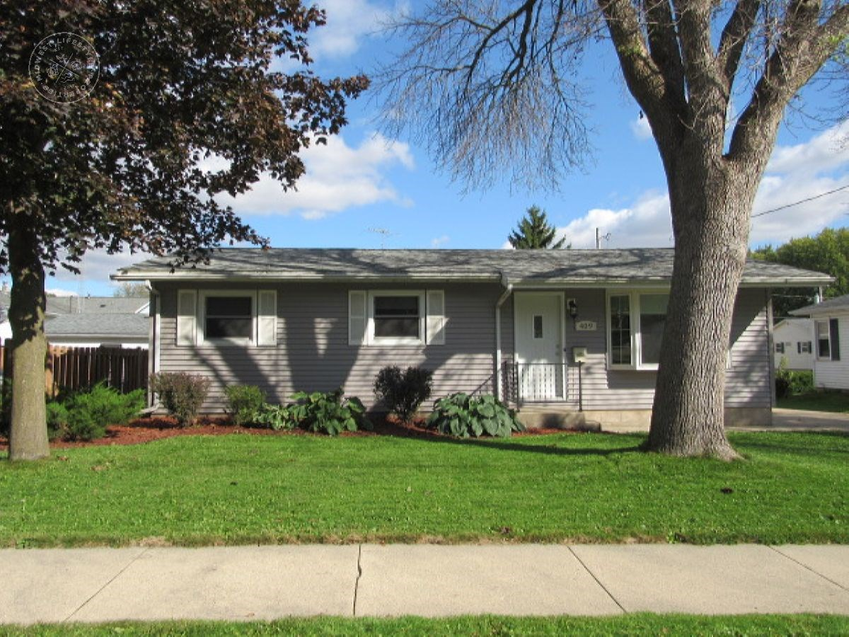Attractive 3 bedroom home on a nice wooded lot Dodge County