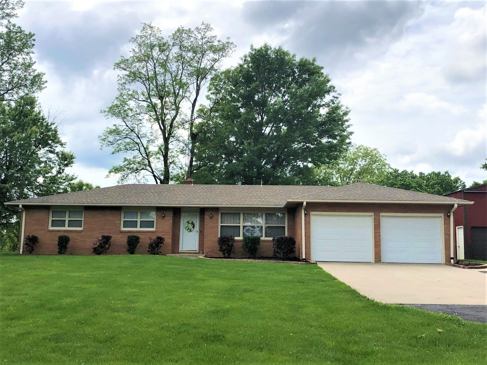 For Sale Brick Home With Building Livingston County