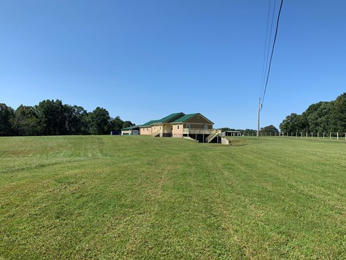 PRIVATE COUNTRY HOME FOR SALE IN TN.  SHOP, CREEK, HUNTING