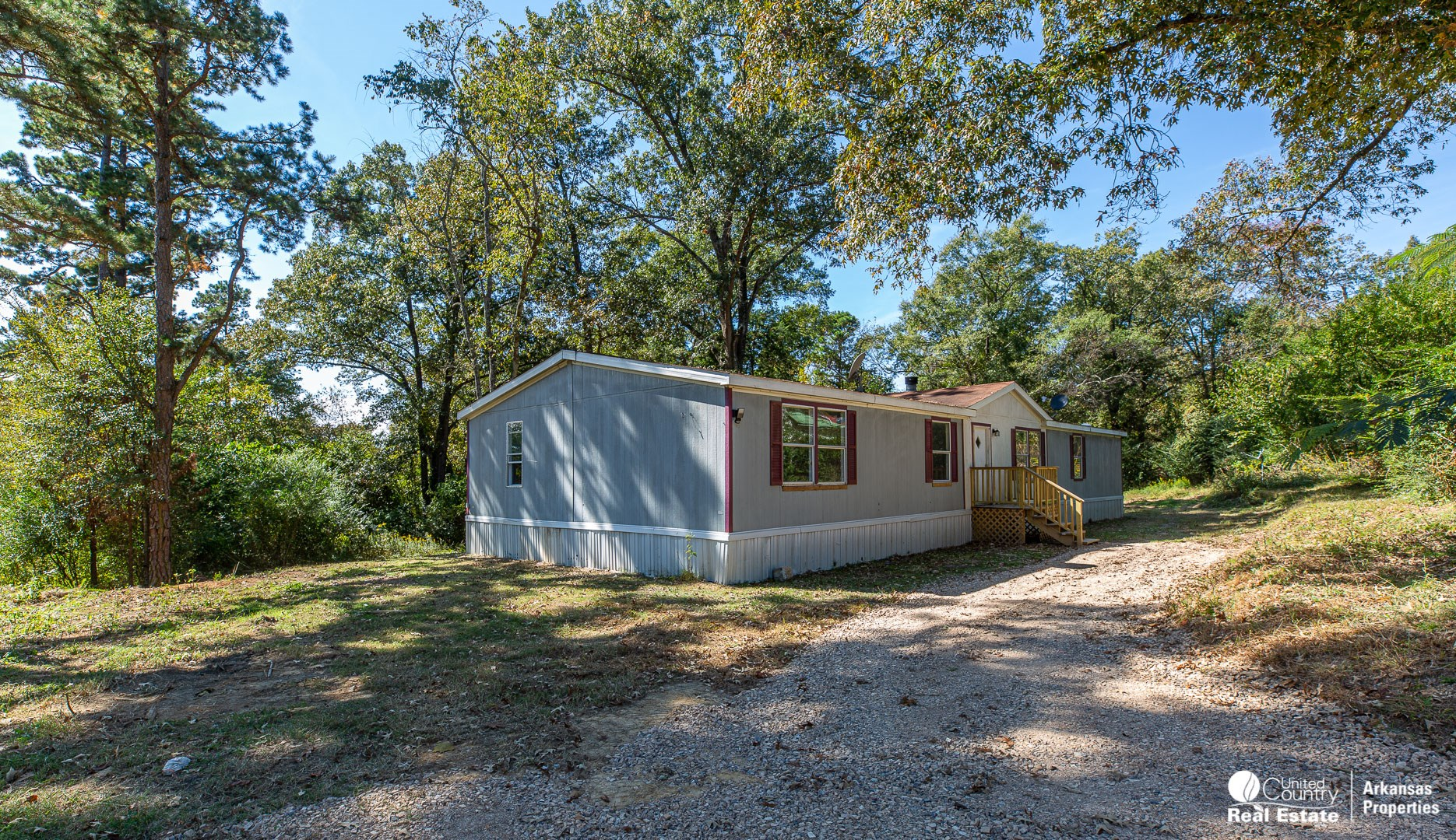 Mobile Home on 2 acres in Hatfield