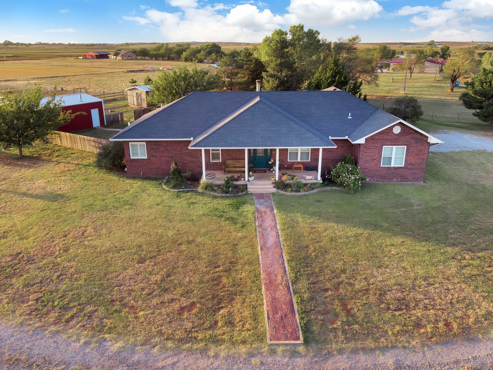 Home for sale North of Elk City, OK