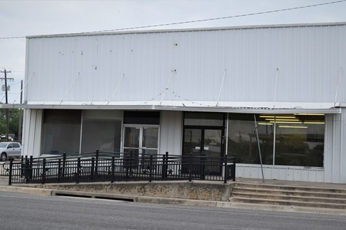 McLennan County Mart, Tx Commercial Property for sale.