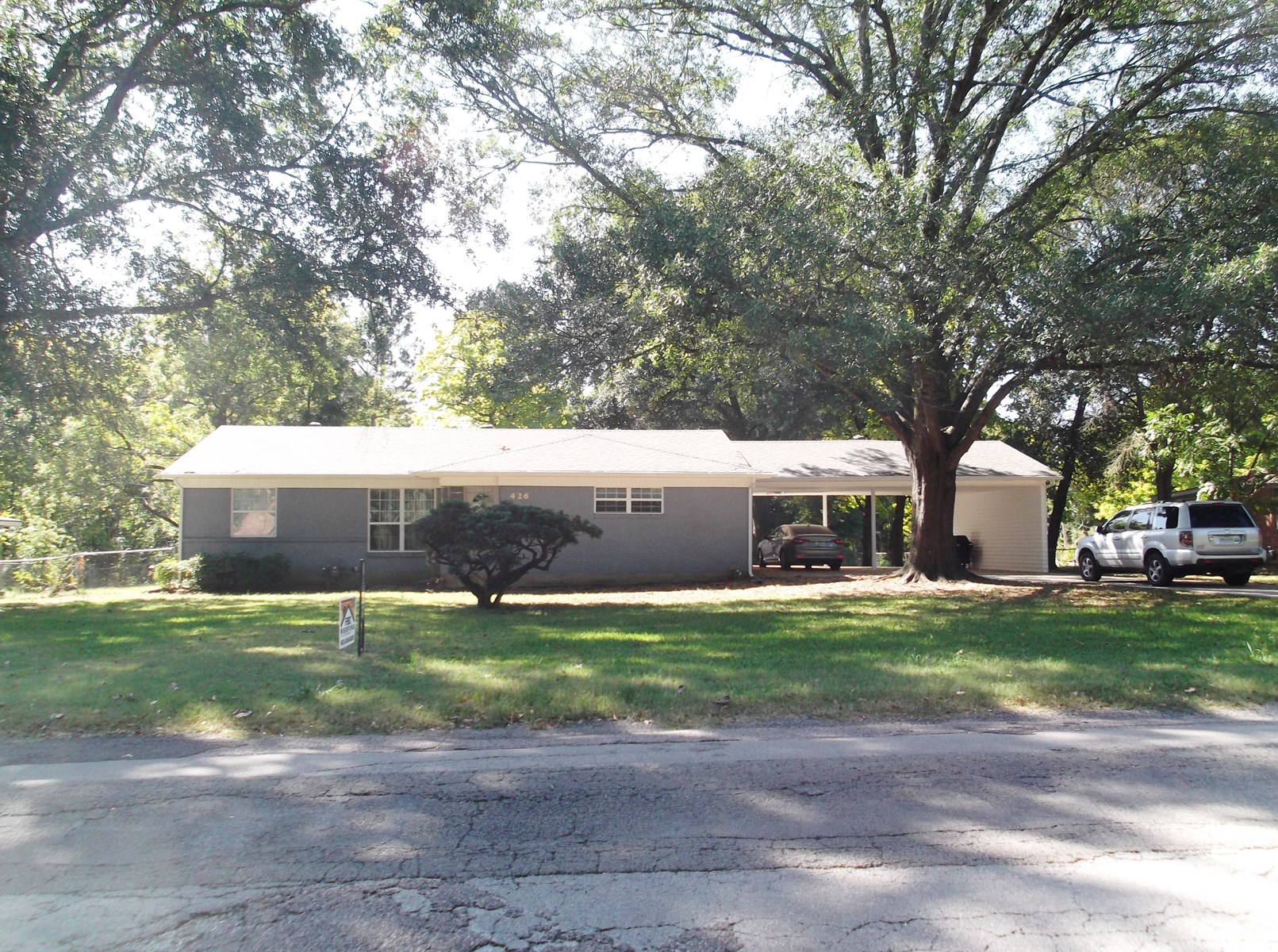 Bonham TX Mid-Century Home on 1 Acre