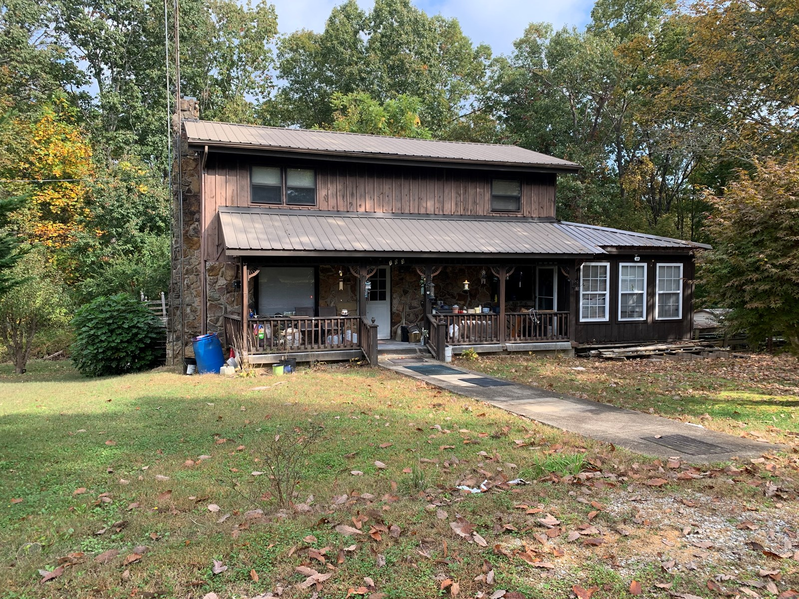 Country Home for sale in Collinwood Tennessee