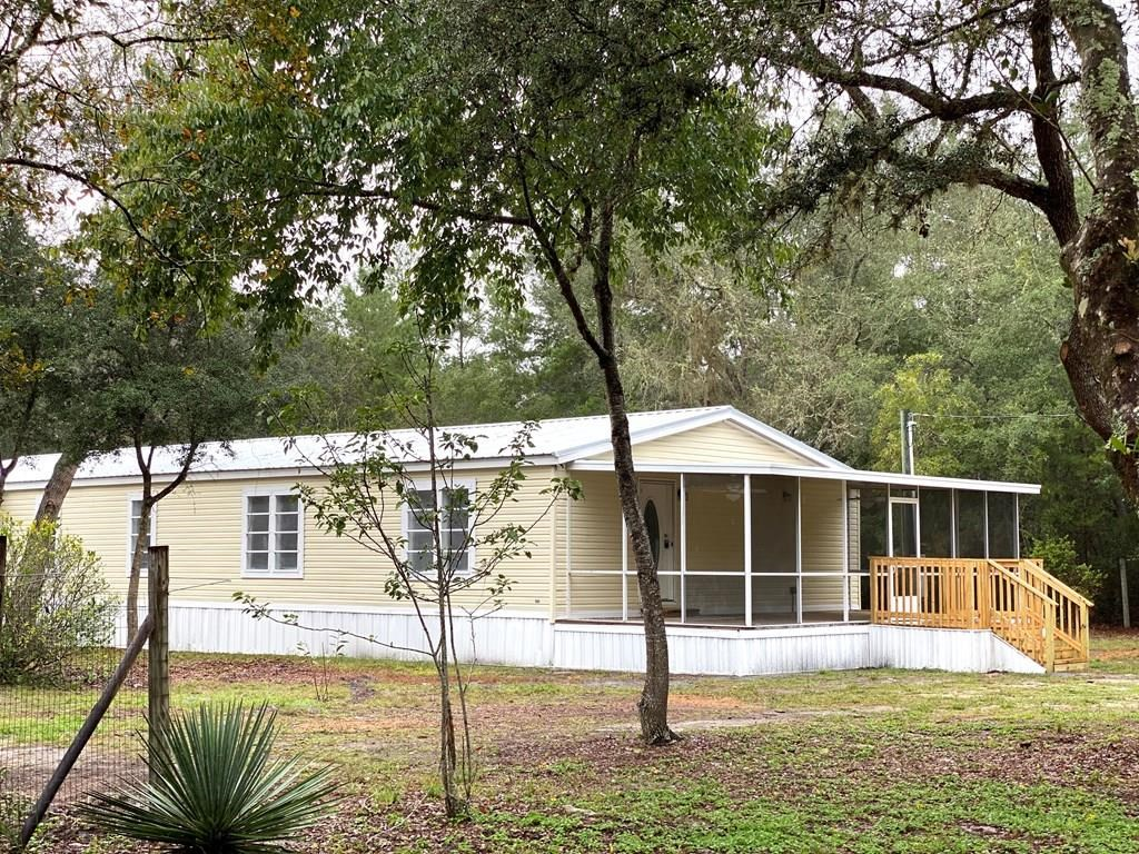 COMPLETELY REMODELED 3/2 W/STUDY