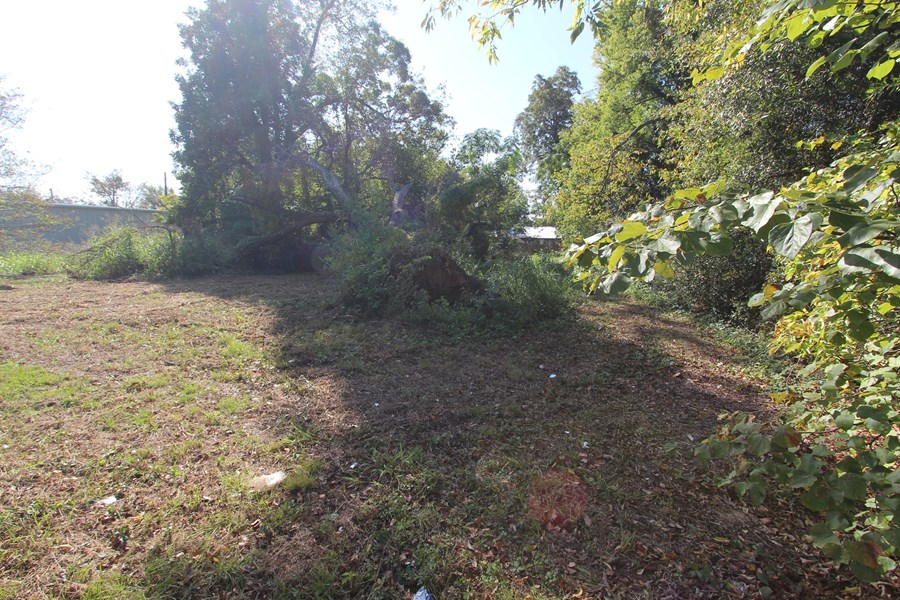 City Lot For Auction In Paris Texas Lamar County