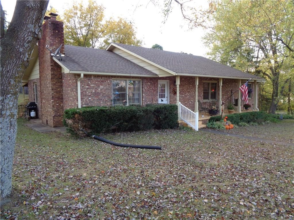 4 Bed, 3 Ba Located in the Heart of Huntsville AR