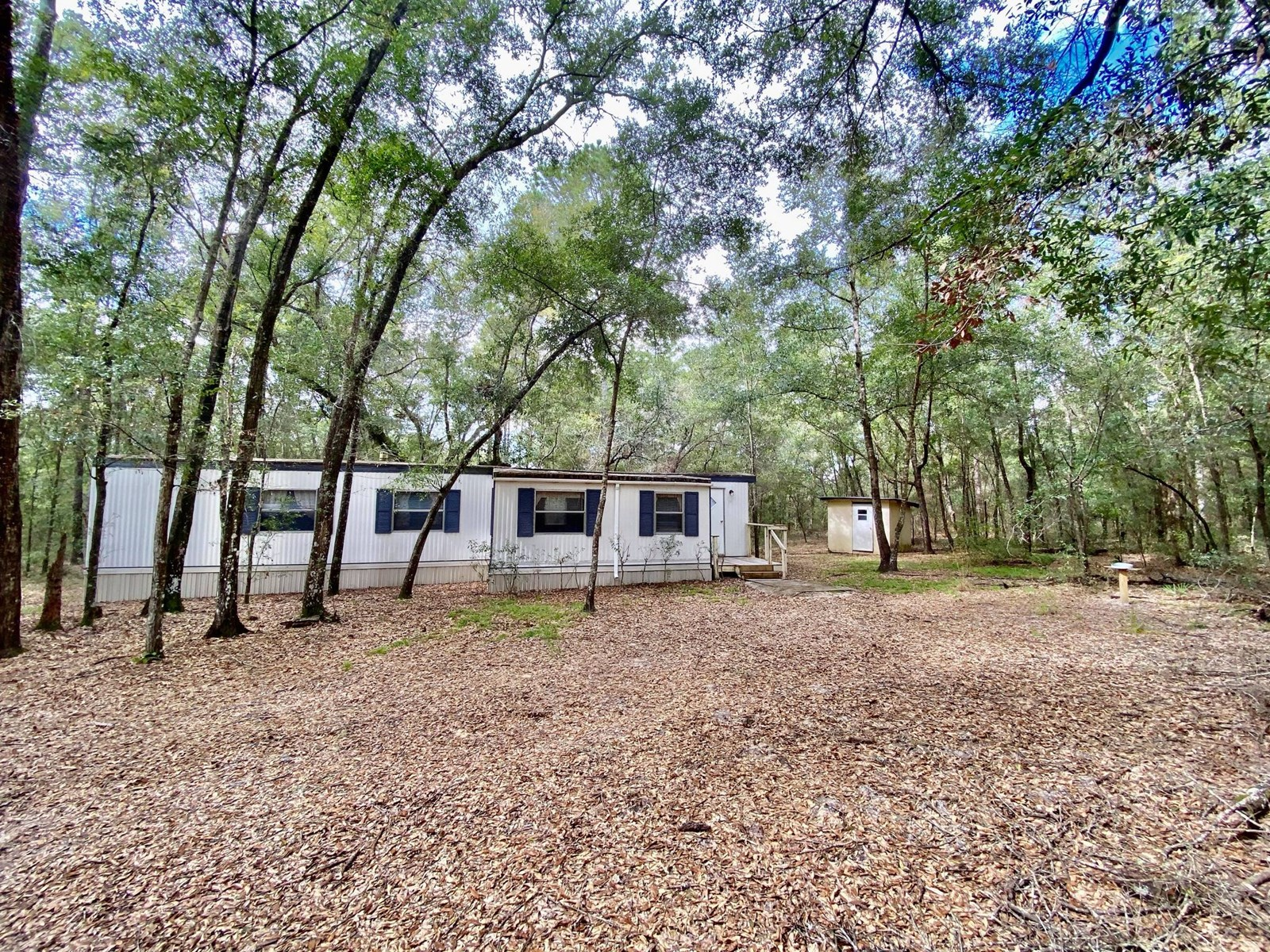 MOBILE HOME WITH ACREAGE!