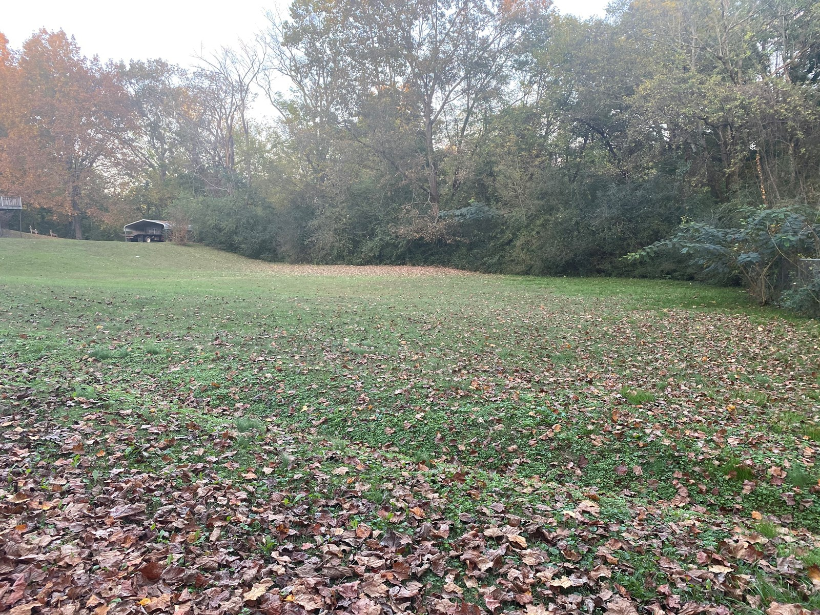 LOT FOR SALE WITH PUBLIC UTILITES IN LAWRENCEBURG TENNESSEE