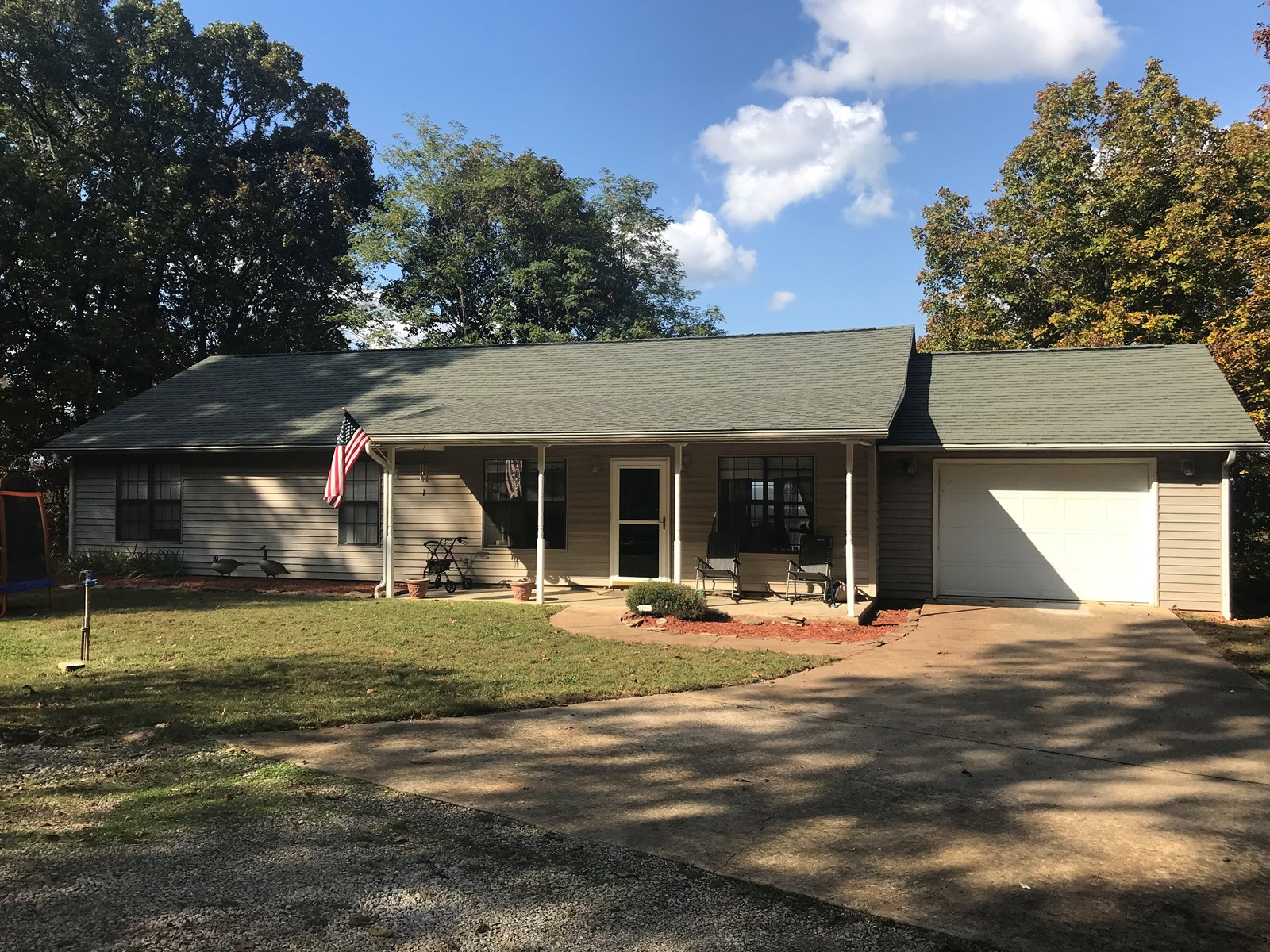 Home with Acreage in Mountain View Arkansas