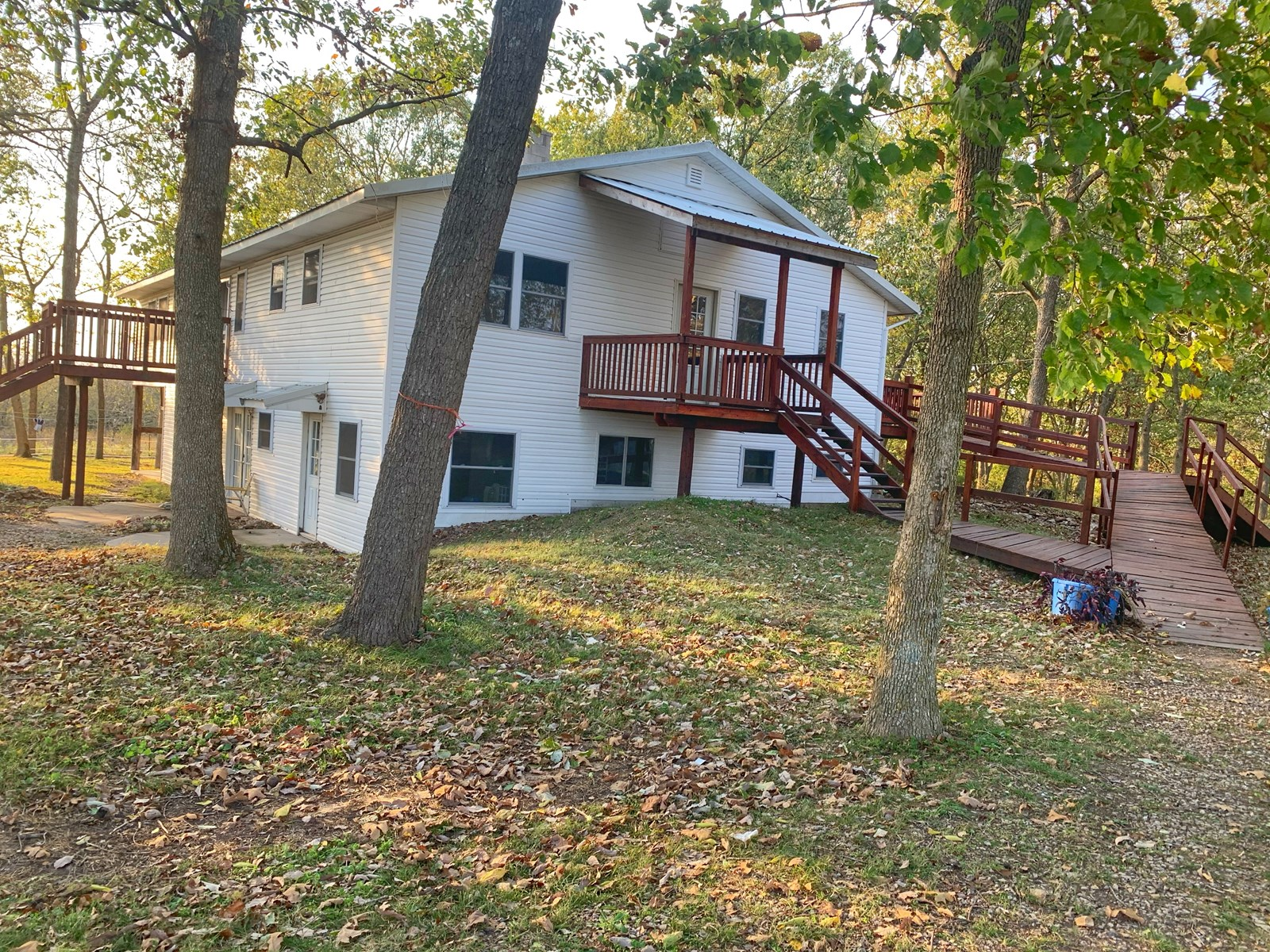 331 East 368th Road, Dunnegan, MO 65640