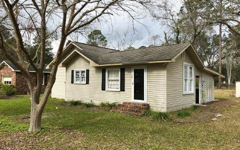 SINGLE STORY HOME IN HOMERVILLE, GEORGIA FOR SALE