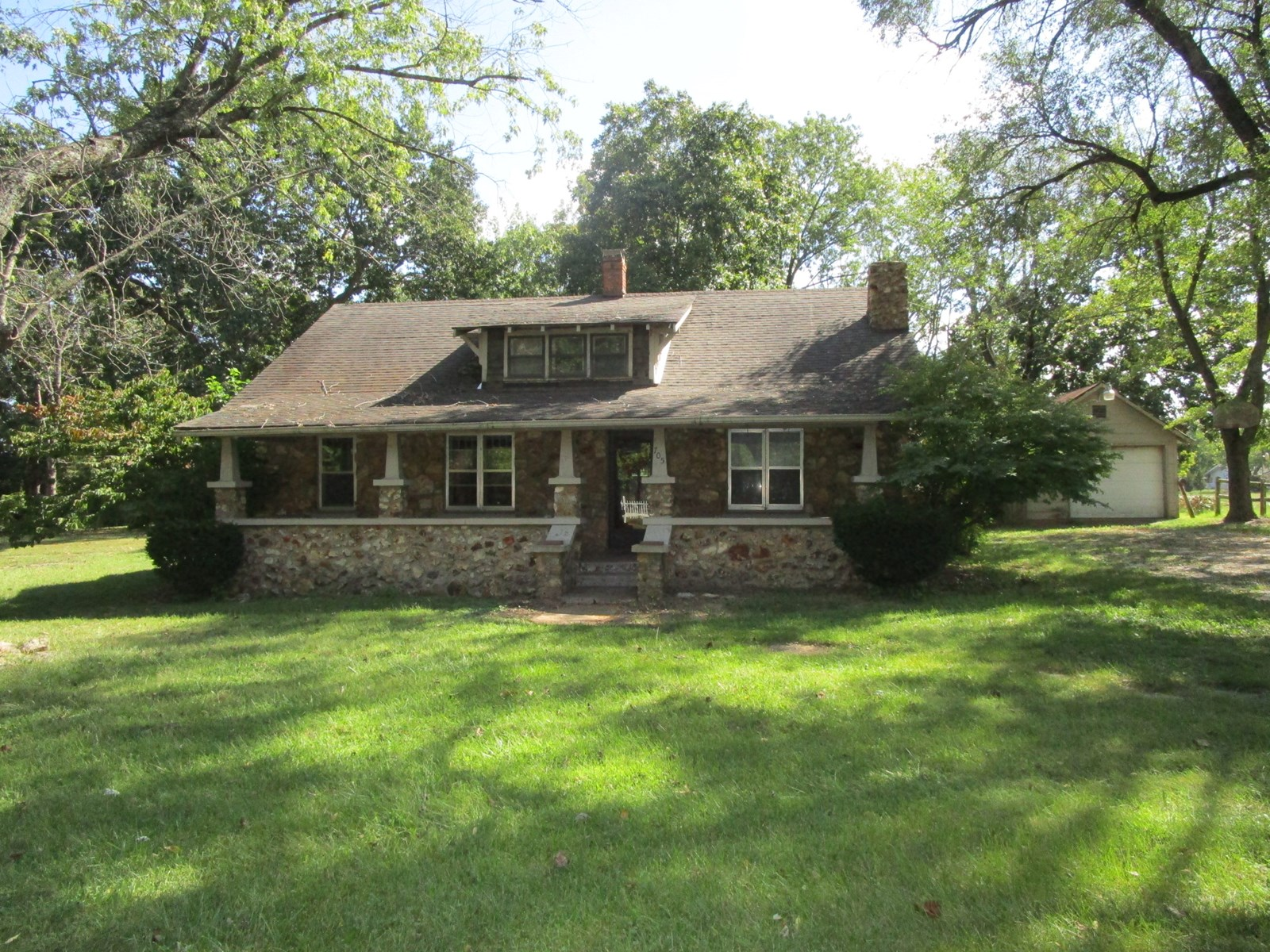 Stone Craftsman-Style Cottage For Sale in Southern Missouri