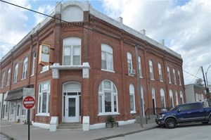 BEAUTIFUL, WELL CARED FOR HISTORIC BUILDING IN RURAL TOWN