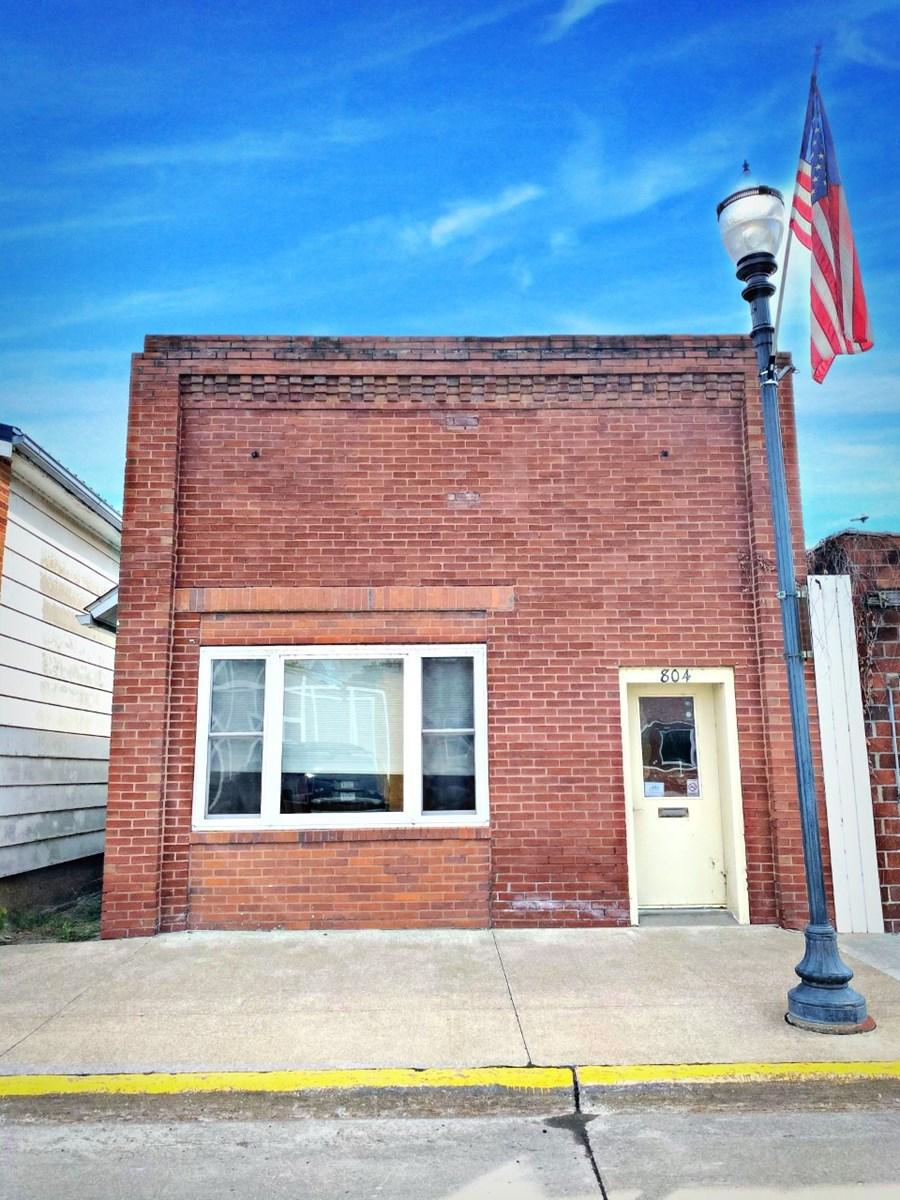 Downtown Commercial Building For Sale in Keosauqua Iowa