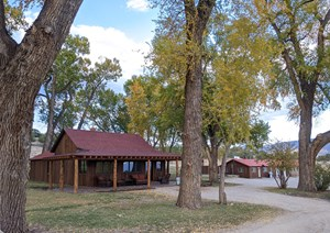 HOBBY FARM MULTIPLE HOMES HORSE PROPERTY CO MTNS FOR SALE