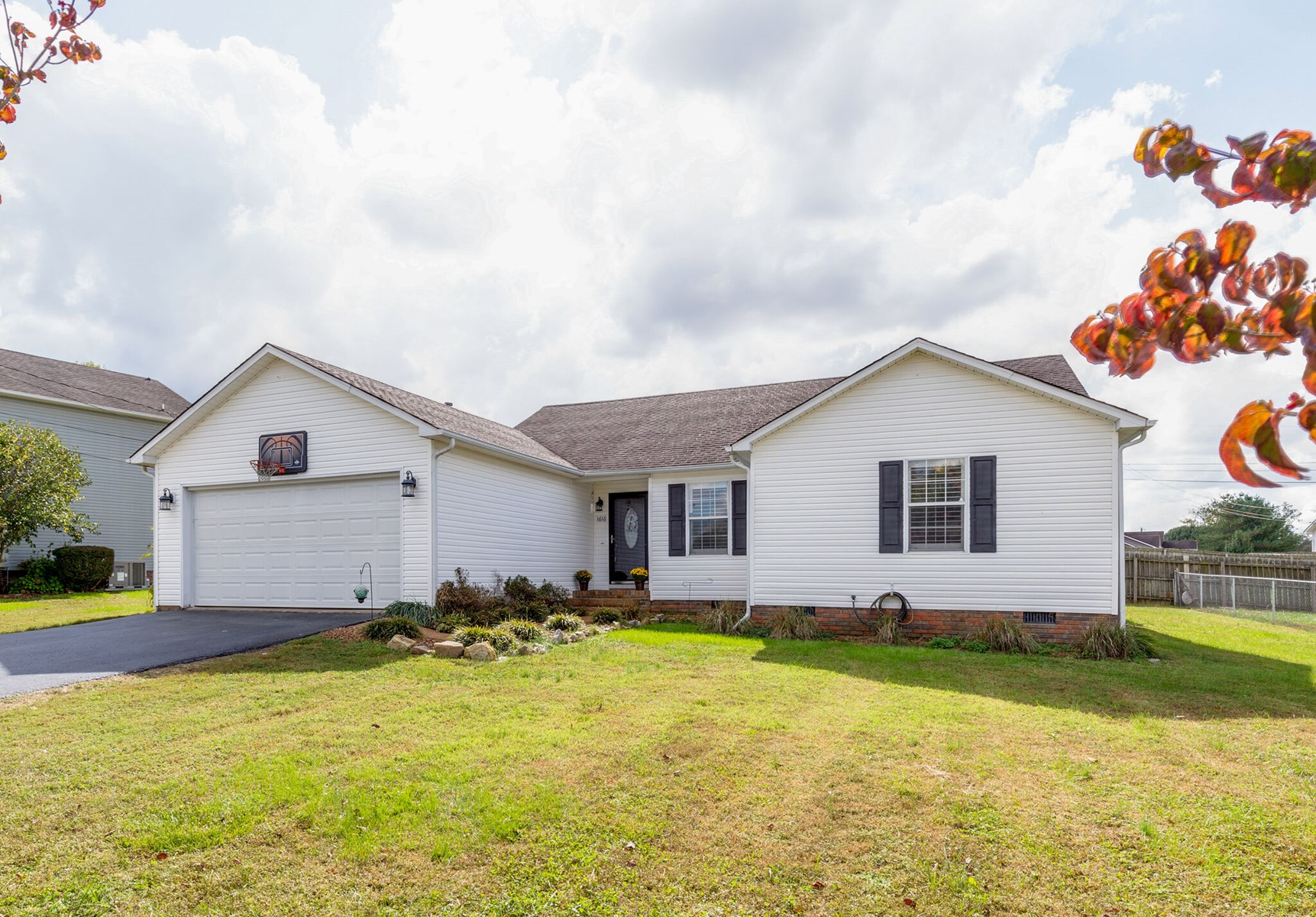 Single Family Home for Sale in, Columbia, Tennessee