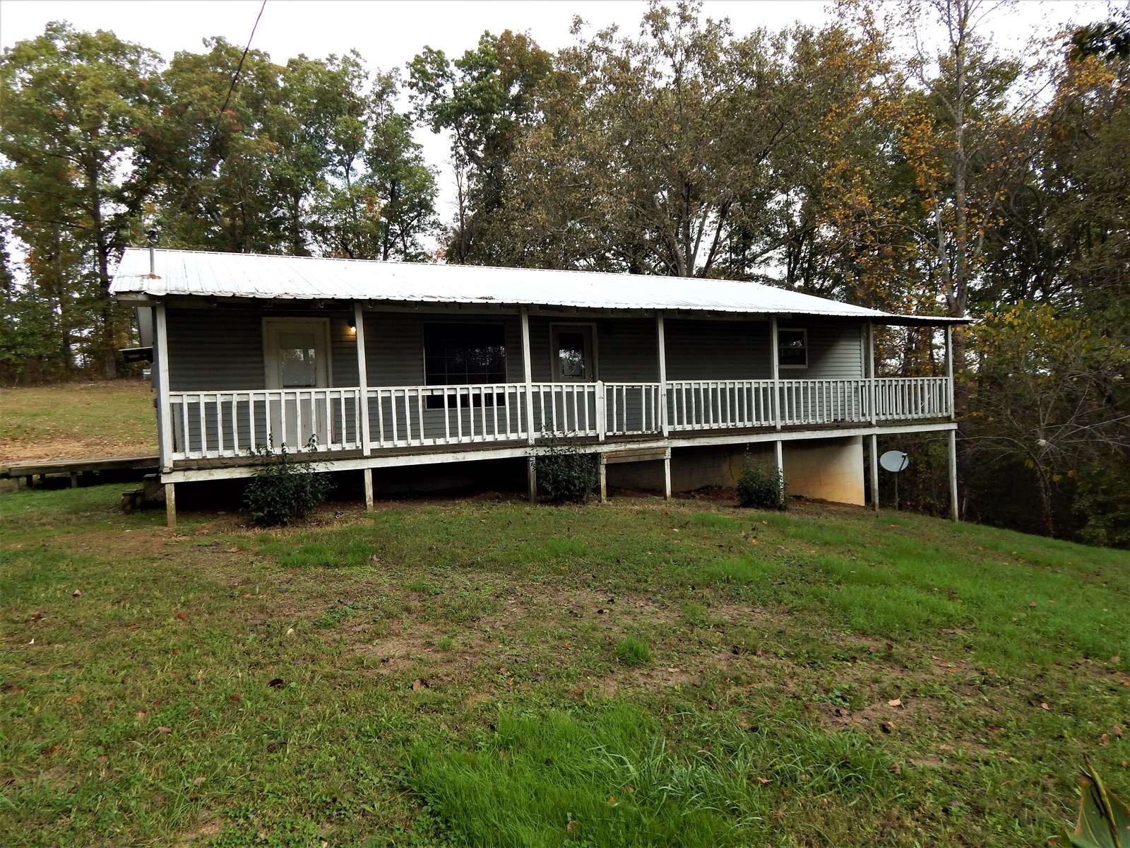 Ranch Style Tn Country Home 3 Bed 1 Bath on 1.08 Acre!