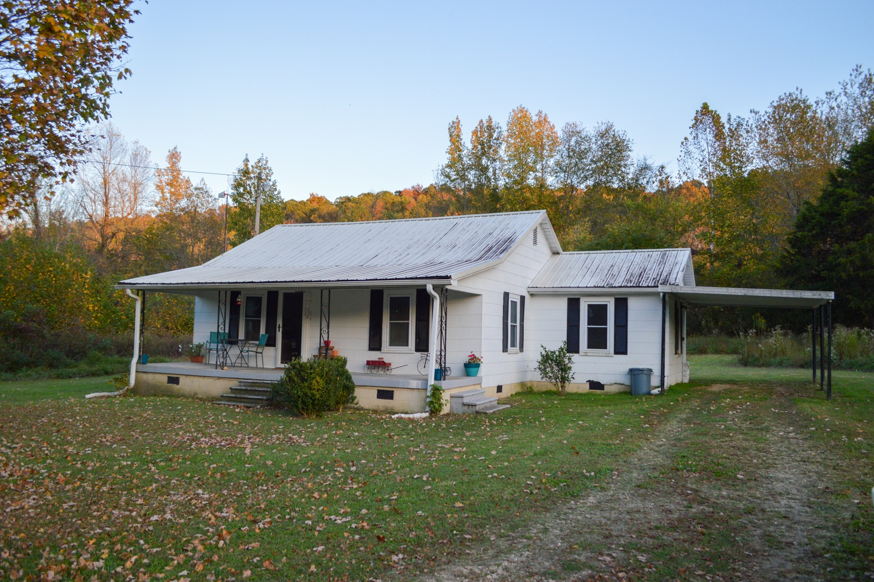 Country Home with Acreage for Sale in Centerville, Tennessee
