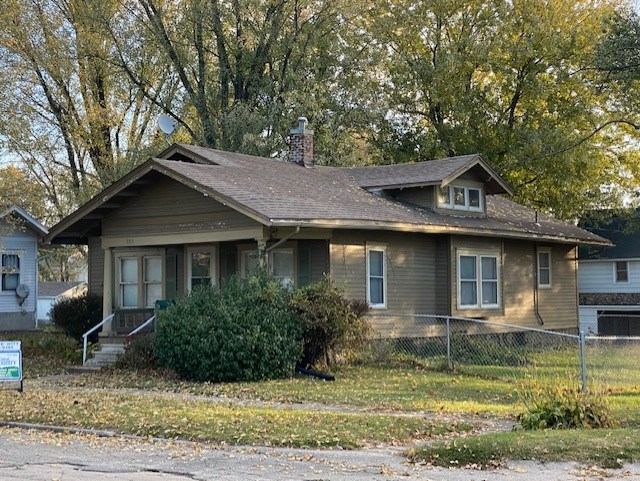 CAMERON MO BUNGALOW FOR SALE