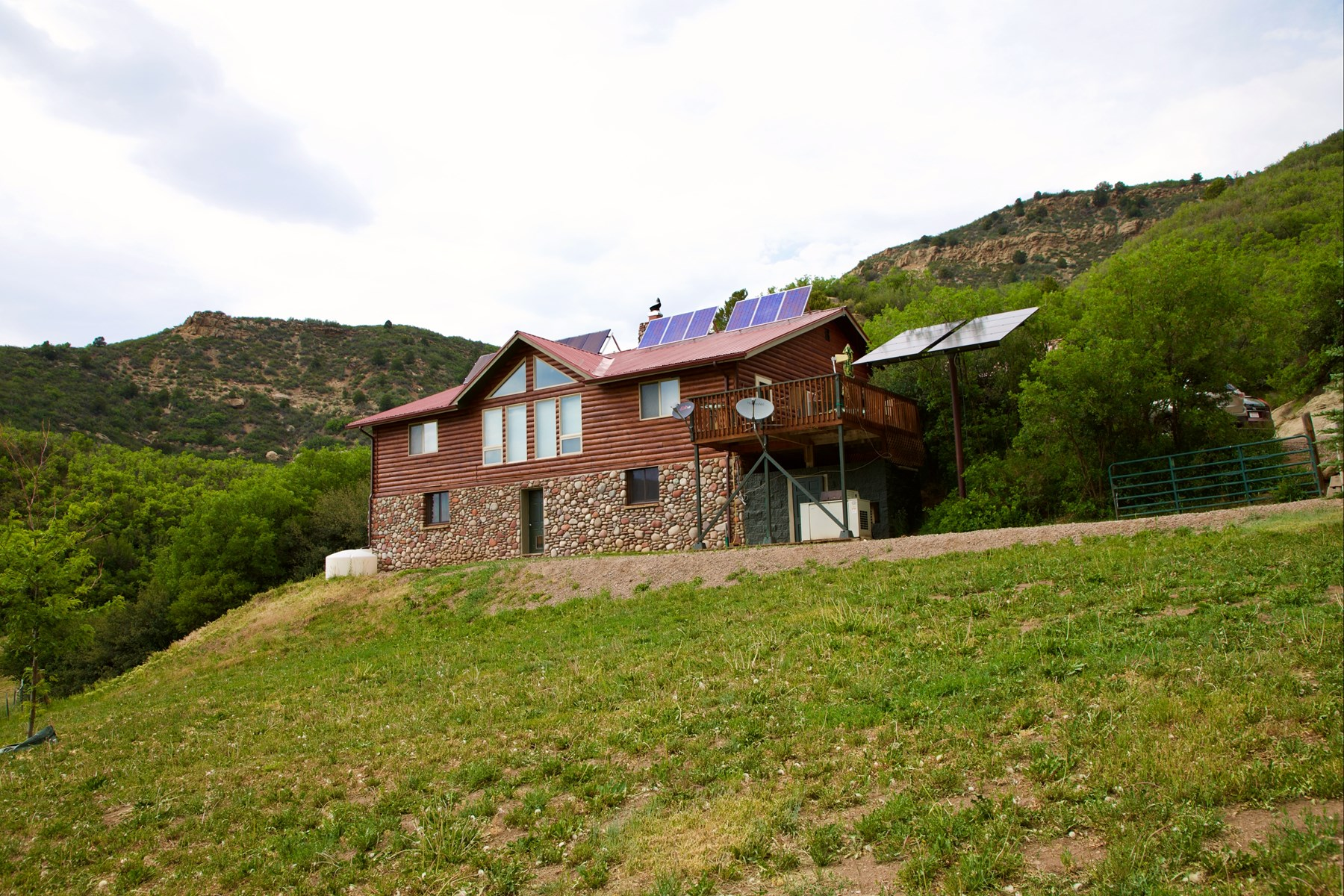 Colorado off-grid mountain horse property for sale, hunting