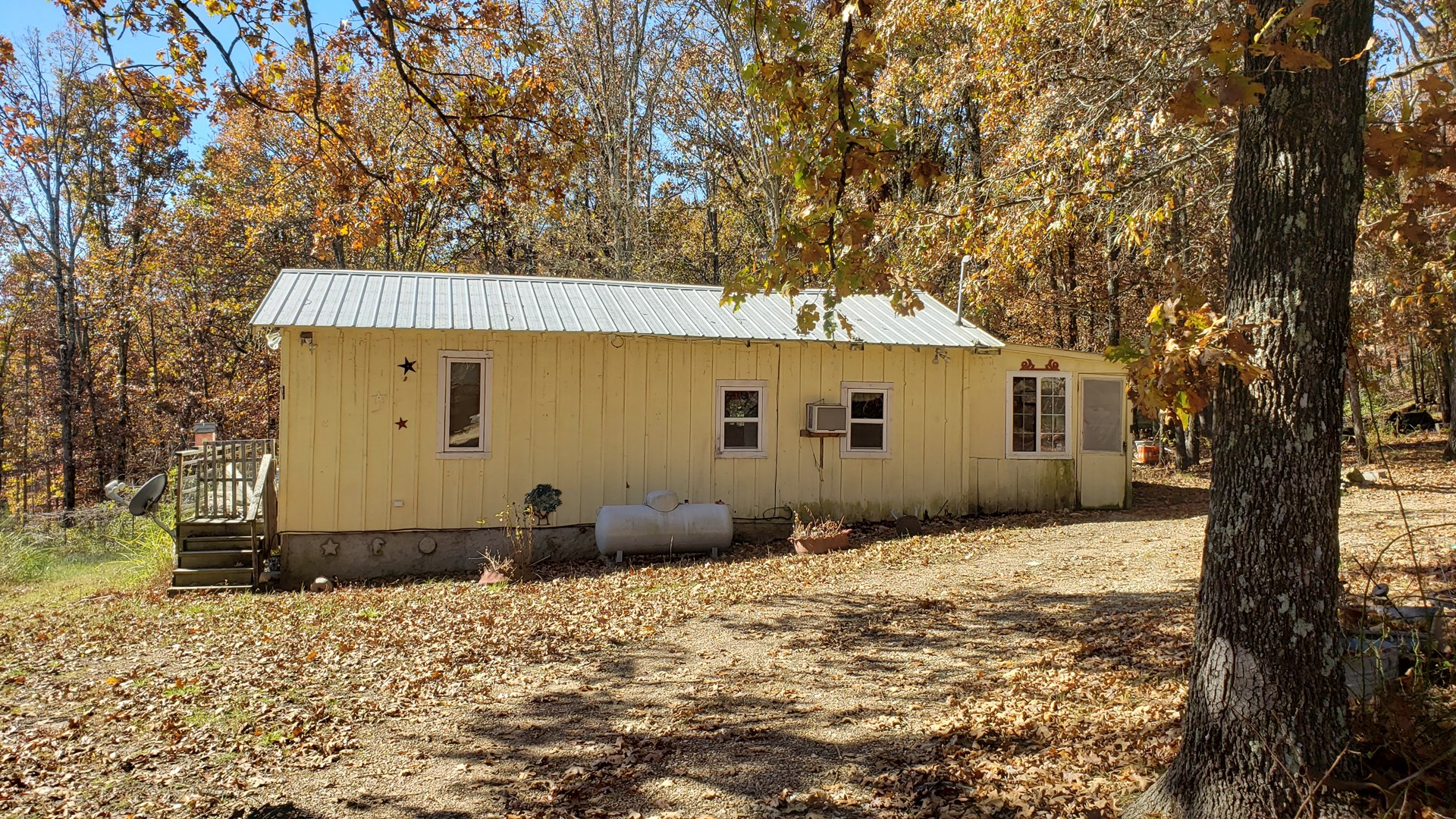 Land with Cabins for Sale in the Southern Missouri Ozarks