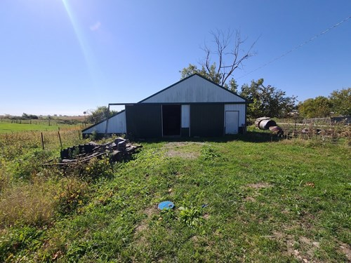 Small Acreage With Buildings For Sale