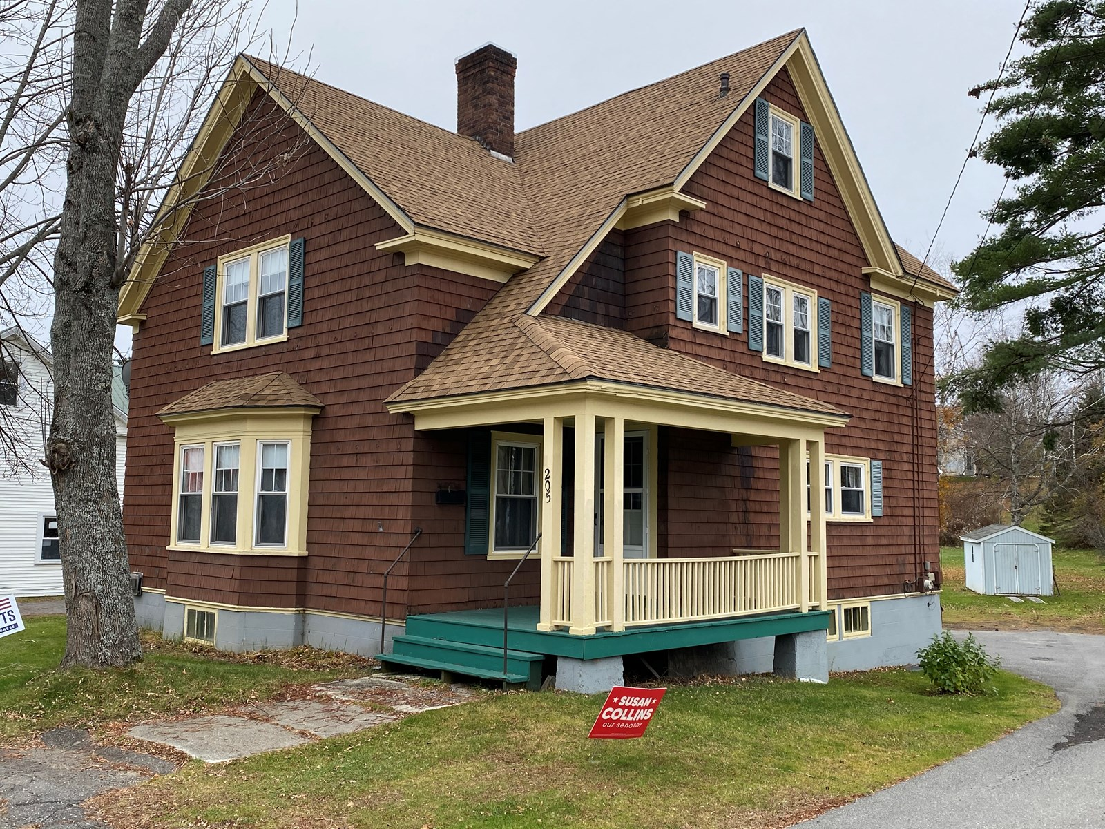 Classic New Englander Home for Sale