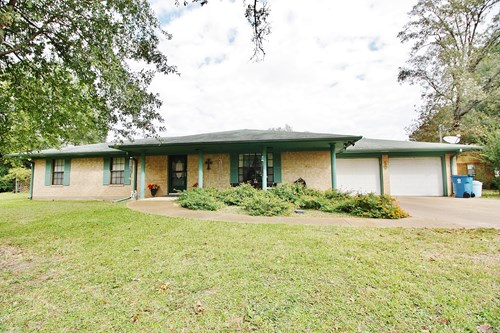 Home for Sale in Centerville, TX