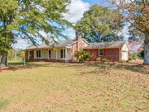 Brick Ranch For Auction in Anderson SC