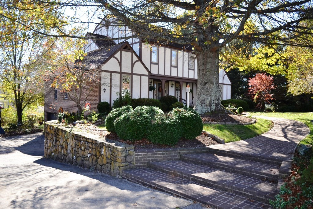 Tudor style home in Wytheville, VA near golf course