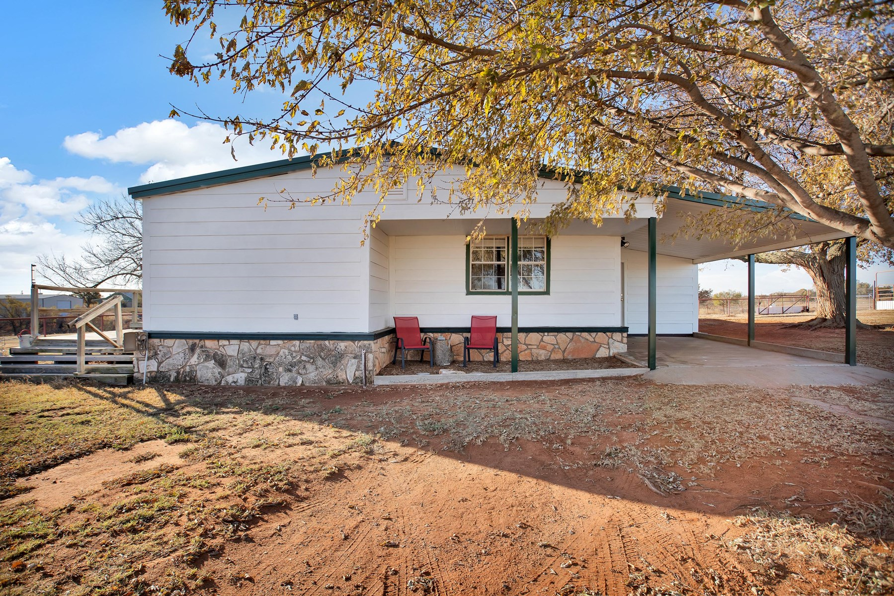 HOME AND LAND FOR SALE SOUTH OF ELK CITY