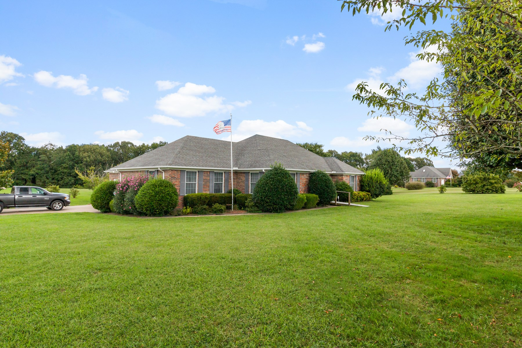 Single Family Home for Sale in, Hohenwald, Tennessee