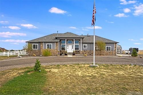 Colorado Luxury Homes For Sale at Cavanaugh Hills Keenesburg